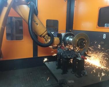 机器人抓持刀具清理打磨
