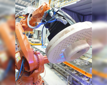 Industrial robot automatic loading/unloading